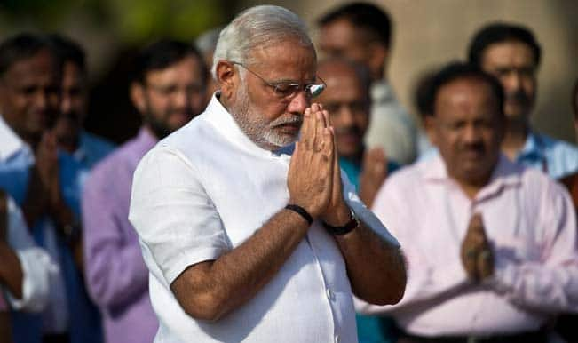 Narendra Modi pays tribute to Veer Savarkar
