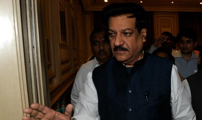 Narendra Modi takes up Mumbai housing society's issue with Maharashtra Chief Minister Prithviraj Chavan