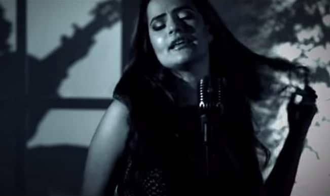 Purani Jeans song Dil Aaj Kal Unplugged: Sona Mohapatra's voice is smooth as silk!
