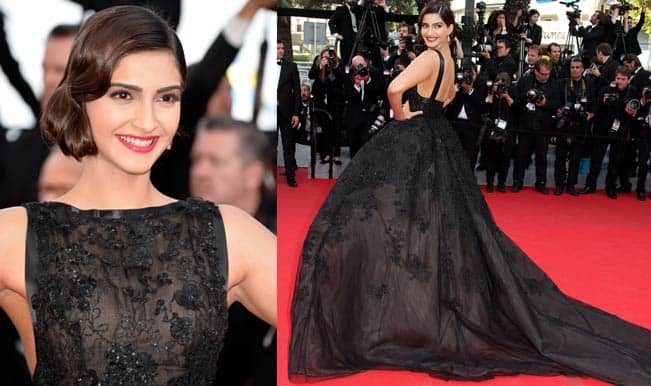 Sonam Kapoor floors the crowd at the Cannes 2014 red carpet in Elie Saab gown