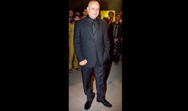 Anupam Kher to shoot with Shah Rukh Khan for his TV show