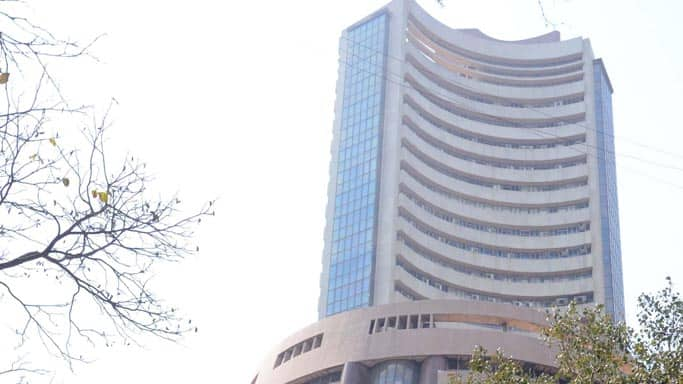 Sensex trades in red; oil and gas stocks down