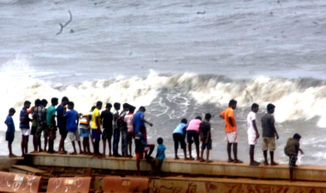 High tide in Mumbai causes water logging in parts of metropolis