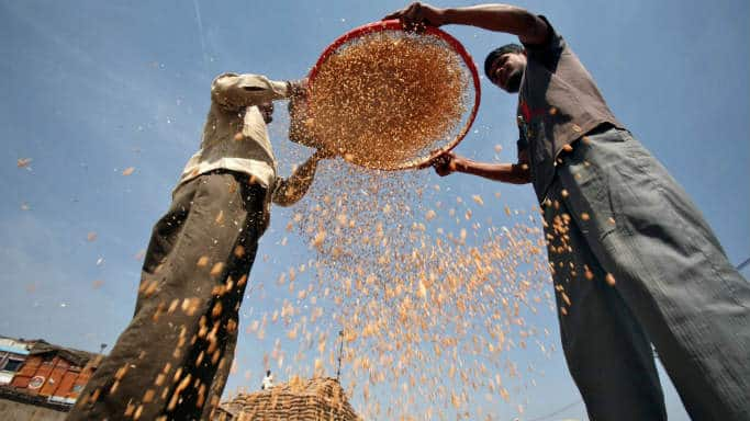 Weak monsoon may push food prices further: India Inc