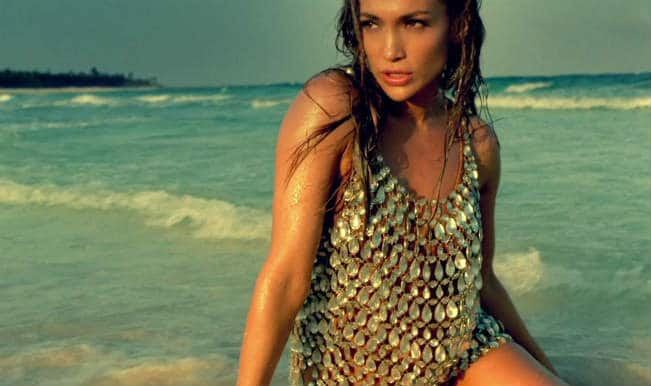Jennifer-Lopez-I-m-Into-You-Music-Video-jennifer-lopez-21877948-1366-768