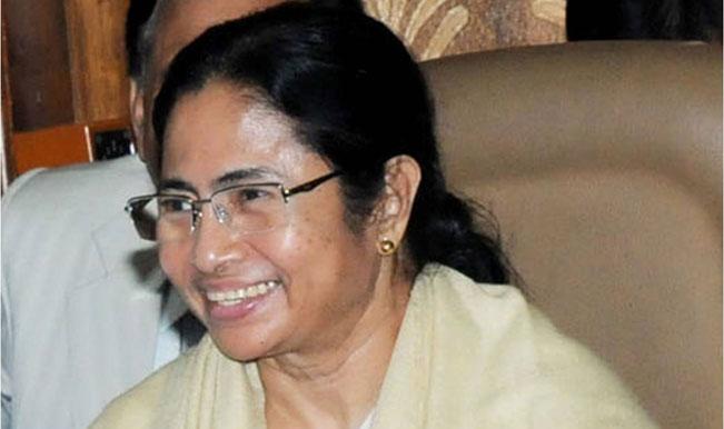 Mamata meets Bengal Governor M K Narayanan