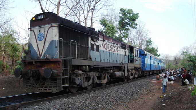 Rail fare hike: Lalu Prasad, Nitish Kumar, Ajay Maken flay Narendra Modi govt's decision