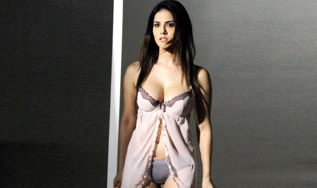 Sunny Leone ready for comparisons with Sherlyn Chopra