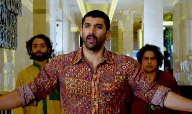 Aditya Roy Kapur wears surma-Do you like the dude's smokey eyes?