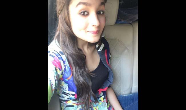 Alia-bhatt-selfie-2
