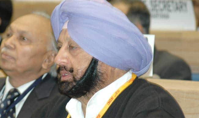 Parkash Singh Badal is undermining principle of federalism: Amarinder Singh