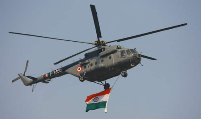 Coast Guard chopper helps to check Maharashtra oil spill