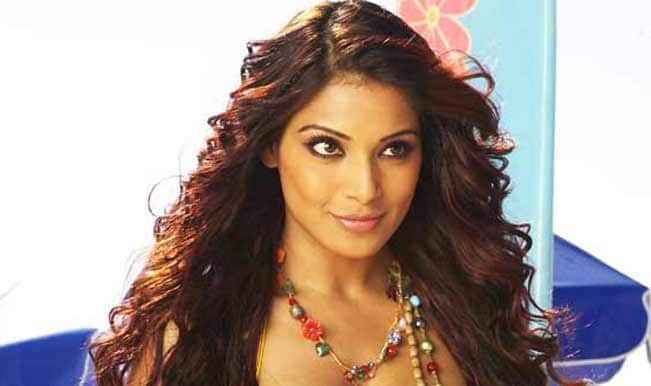 I want a Bengali look for my wedding: Bipasha Basu