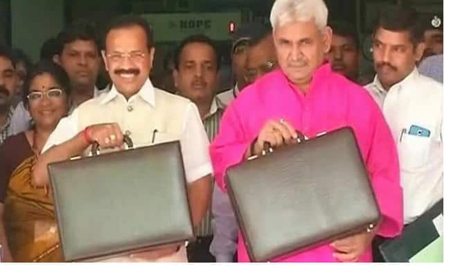 Indian Railway Budget 2014 Live Streaming: Watch D V Sadananda Gowda present his first Railway Budget
