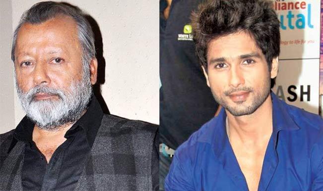 Shahid Kapoor receives compliments from dad Pankaj Kapur for Haider!