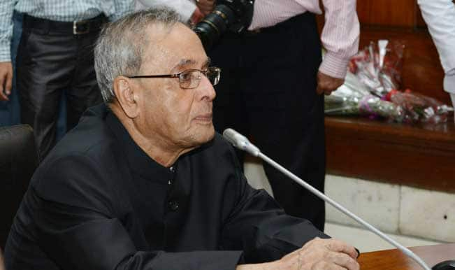 President Pranab Mukherjee congratulates Commonwealth Games 2014 medallists