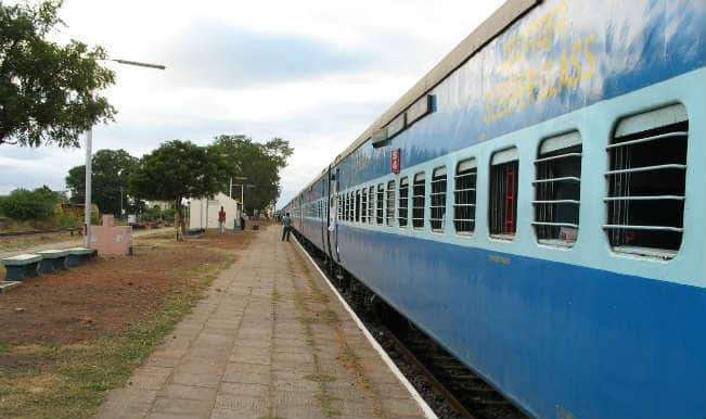 Railways Raises Platform Ticket Price to Rs 50 at Key Mumbai Stations: Full List of Stations Here