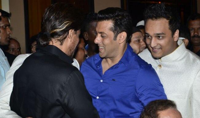 Watch: Salman Khan and Shahrukh Khan hug again at Baba Siddique's Iftar party!