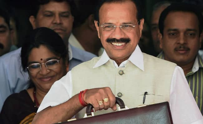 Railway Budget 2014: Rail Minister Sadananda Gowda introduces five Jansadharan trains
