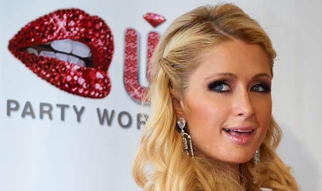 Paris Hilton earns 1.6 million pounds for DJ-ing
