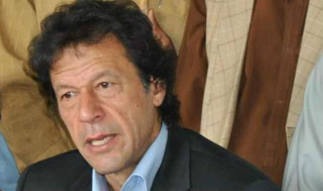 Pakistan Parliamentarians warn Imran Khan against derailing democracy