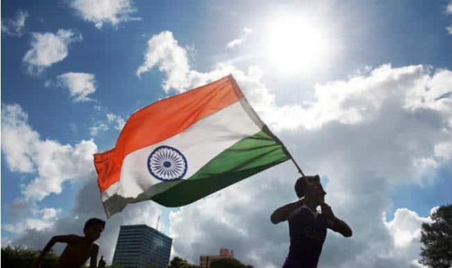 Independence Day SMSes: 10 Best Patriotic WhatsApp & Facebook Messages for Indian Independence Day 2014