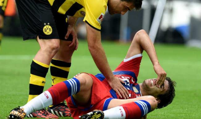 Bayern Munich's Javi Martinez suffers serious injury in German SuperCup