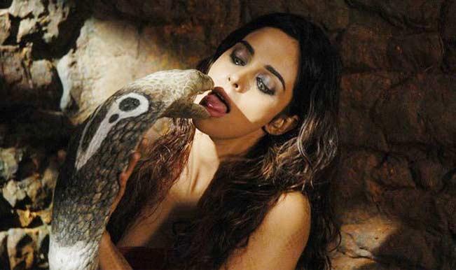 5 Nag Panchami Special Songs: Celebrate Nag Panchami with Bollywood beauties!