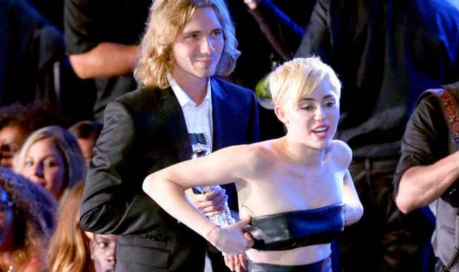 MTV Video Music Awards 2014: Miley Cyrus sends homeless man to accept her Video of the Year award