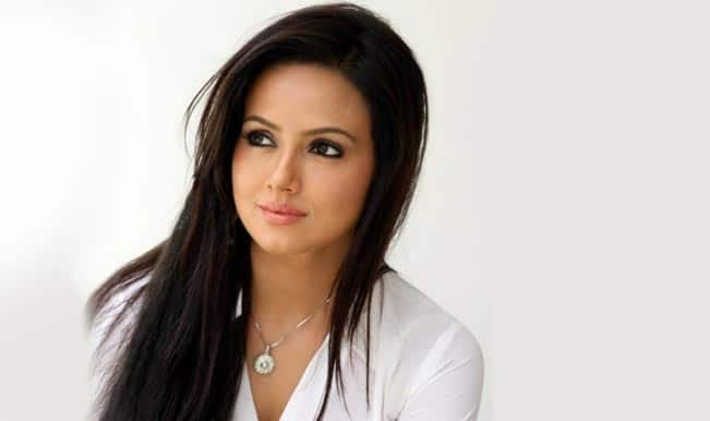 Sana Khan birthday special: Watch controversial Ye To Bada Toing Hai Amul Macho ad