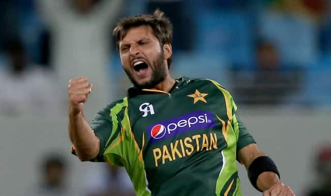 Shahid Afridi says he has no problems with coach Waqar Younis now
