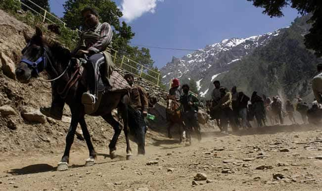 Sonamarg--The-first-batch-of-pilgrims-on-way-to-the-holy-Amarnath-cave