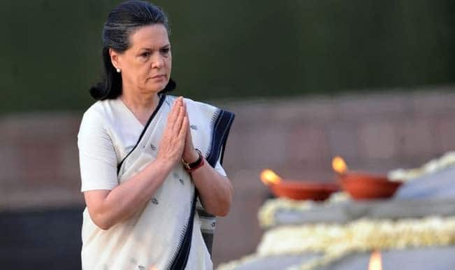 Sonia Gandhi, Mallikarjun Kharge attack government over communal violence