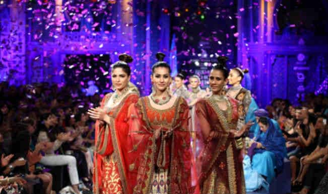Gauri and Nainika unveil the party loving bride at IBFW