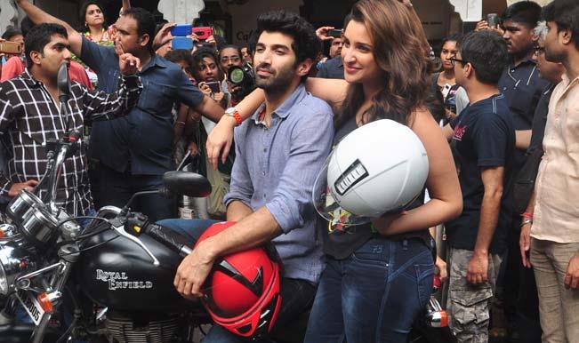 Aditya Roy Kapur and Parineeti Chopra start their food yatra on a bike: Watch video