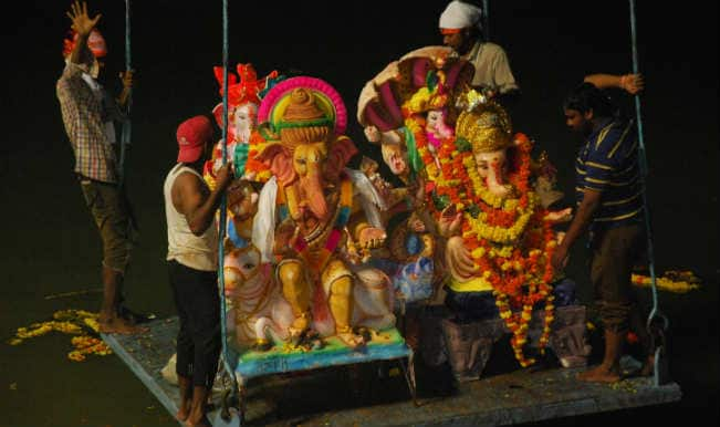 Mumbai bids emotional adieu to Lord Ganesha