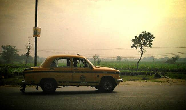 Commuters inconvenienced as Kolkata taxis keep off road