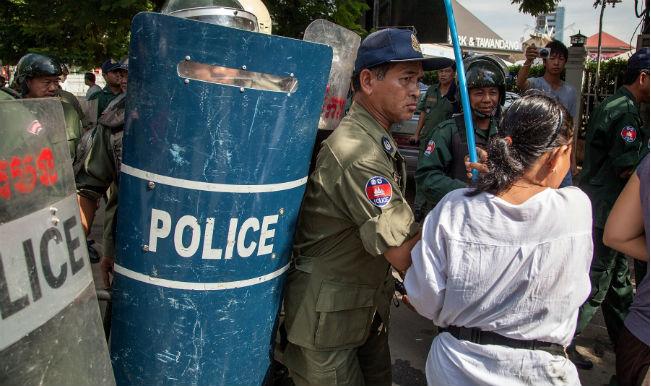 Tibetans protest Chinese president's visit
