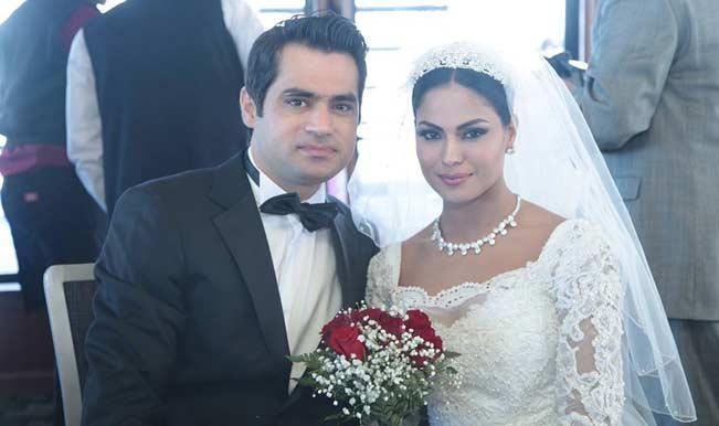 Veena Malik names newborn baby after Shahrukh Khan's son AbRam