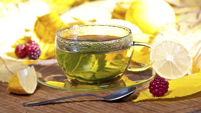 6 Reason You Should Drink Green Tea This Fall