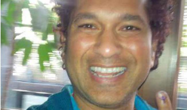 Maharashtra Assemly Elections 2014: Sachin Tendulkar casts vote; puts picture on Facebook