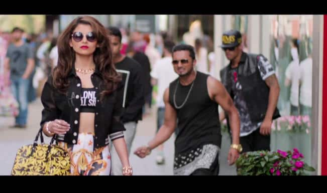 Desi Kalakaar new song: Yo Yo Honey gives love dose to clown looking Urvashi Raultela