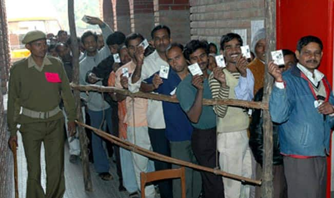 Maharashtra Assembly Elections 2014: At half time, 33 percent vote