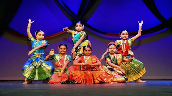 More than 1200 Devotees Turn Up For Inland Empire Diwali Celebration