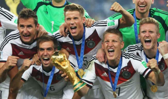 Germany's World Cup squad receive Silver Laurel Leaf