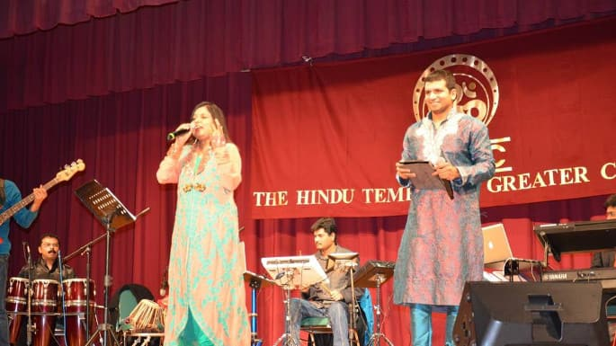 Hindu Temple of Greater Chicago Annual Fundraiser is a Star-Studded Affair