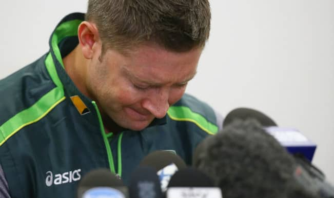 Phillip Hughes dead: Michael Clarke breaks down reading tribute from Australian cricket team