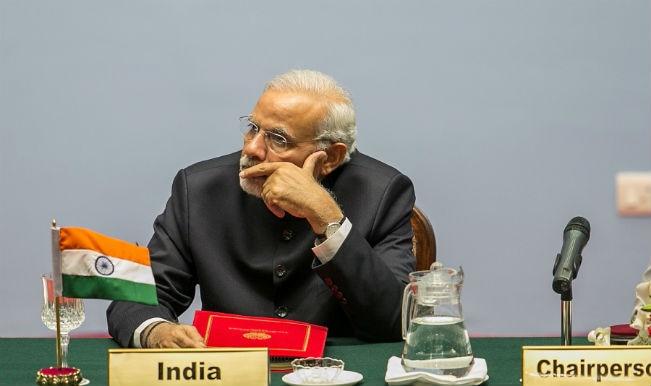 नरेंद्र मोदी दक्षेस के 4 नेताओं से मिले, नवाज शरीफ से नहीं
