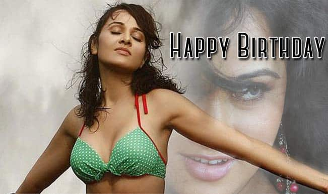 Priyanka Kothari Birthday Special: Sexy looks of the hot actress (In Pics)