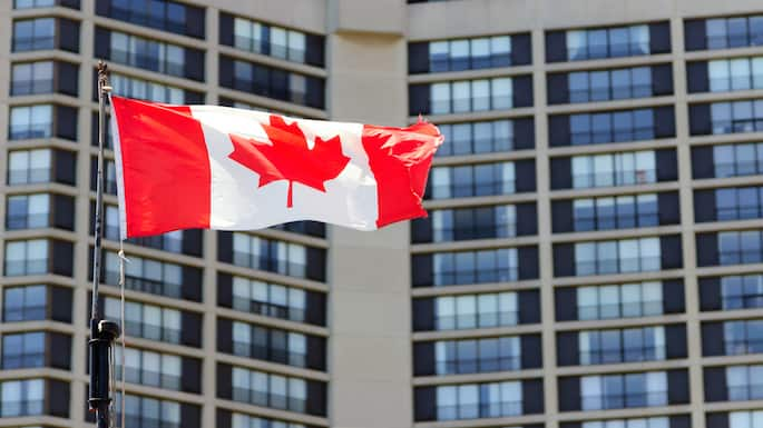 Canada Seemingly on Target to Balance 2015 Budget, According to New Projections